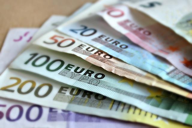 papírové peníze.jpg