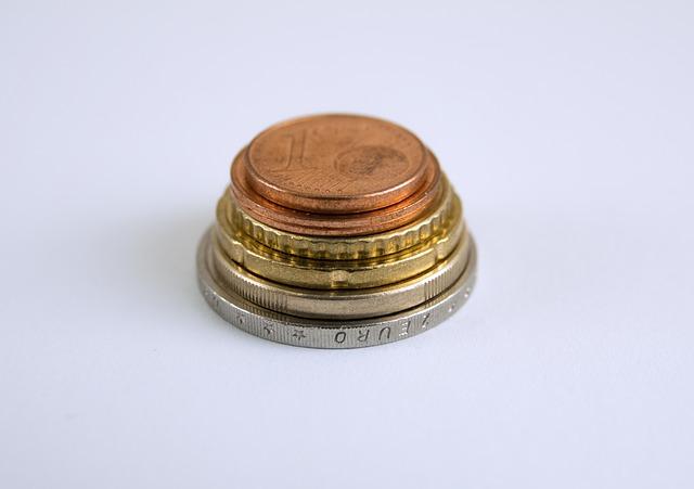 kominek minci